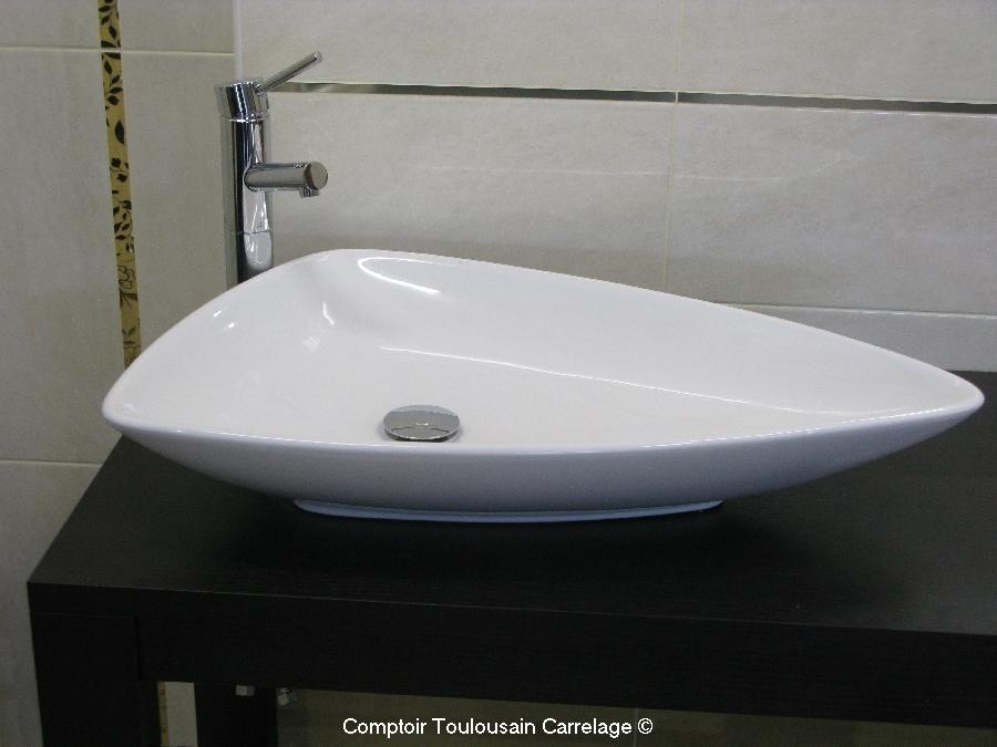 Vasque menton moderne blanche en c ramique porcelaine baignoire et sanitaire - Combine baignoire douche belgique ...