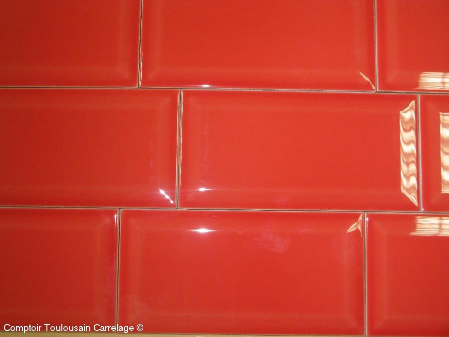 Carrelage 10x20 metro blanc noir rouge carrelage 1er choix for Carrelage rouge pour salle de bain