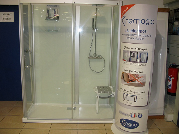 douche kinedo kinemagic design kinemagic kinedo baignoire et sanitaire kinemagic. Black Bedroom Furniture Sets. Home Design Ideas