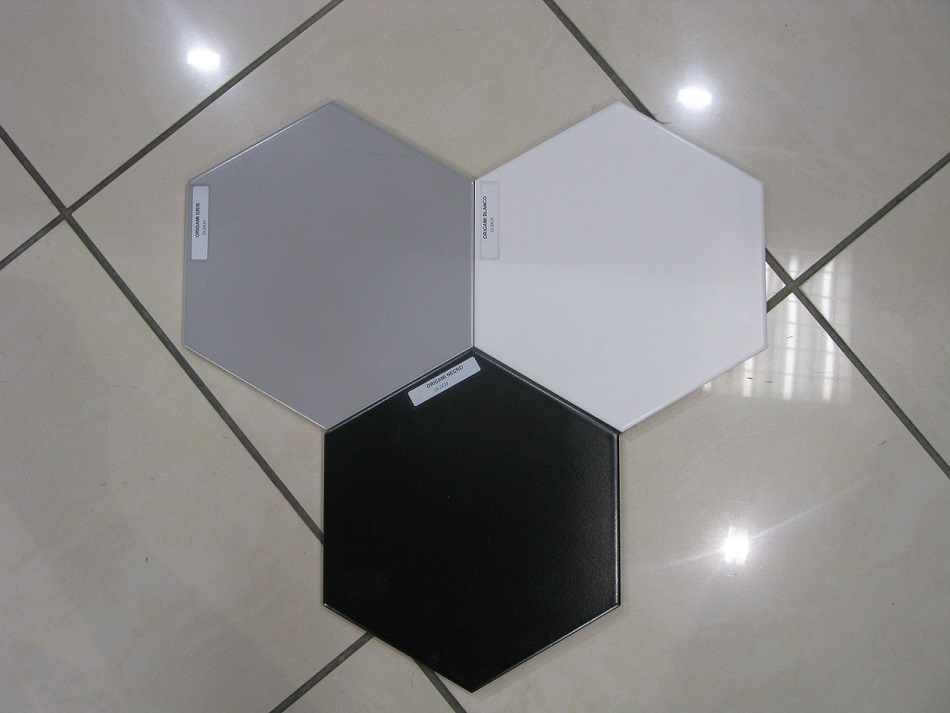 Carrelage sol hexagonal toscana bestile carrelage for Carrelage hexagonal noir mat