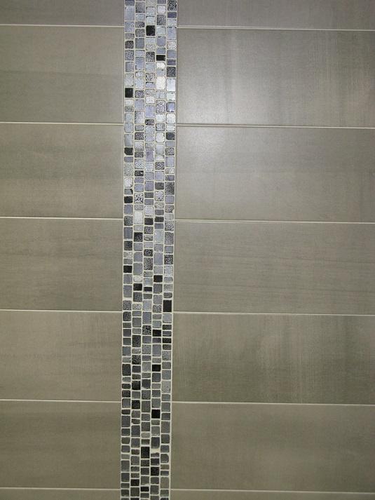 carrelage mural 19x57 pass gris saloni saloni carrelage salle de bain fa ence moderne. Black Bedroom Furniture Sets. Home Design Ideas