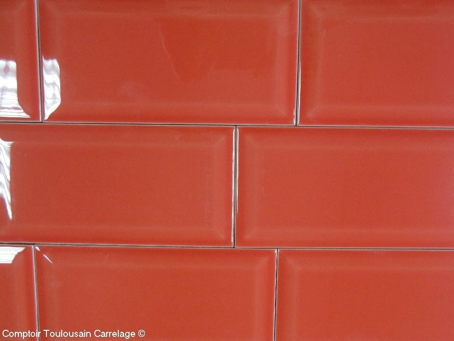 Carrelage 10x20 metro rouge mainzu carrelage 10x20 for Carrelage metro rouge
