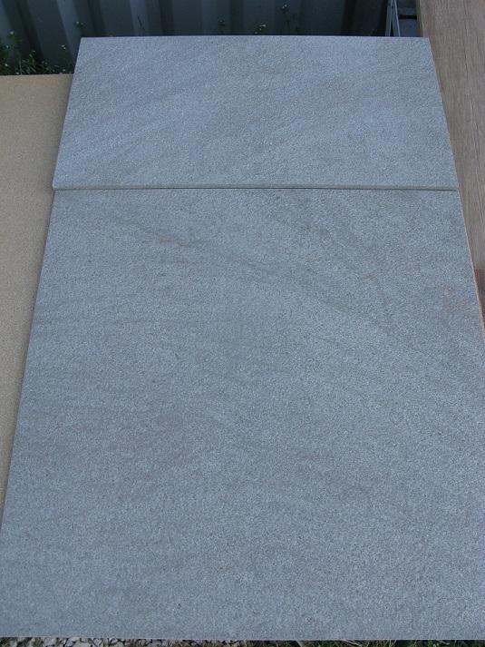 Margelle 30x60 en gr s c rame forte paisseur en 2cm et for Gres cerame pleine masse exterieur
