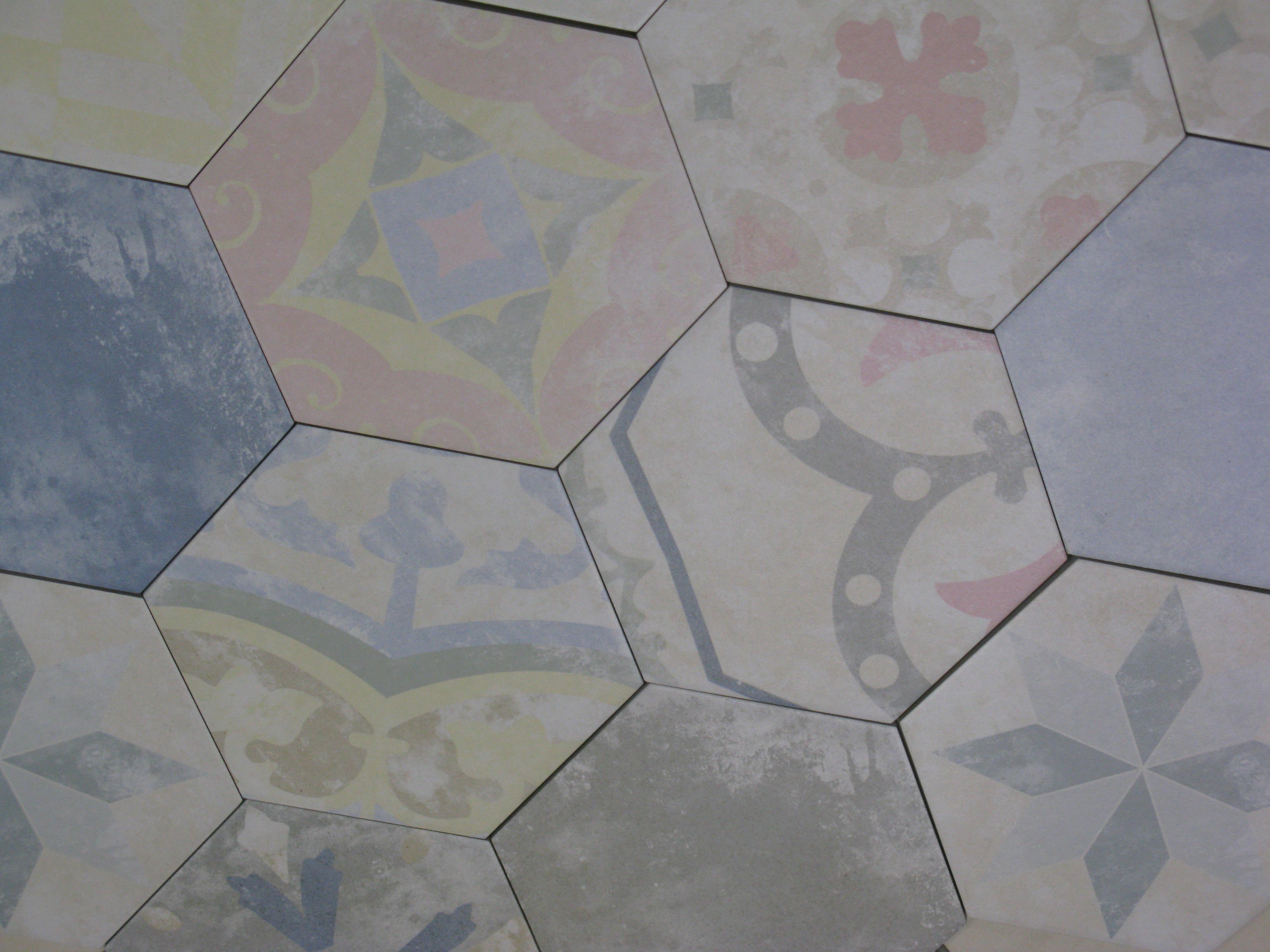 Carrelage hexagonal 25x22 heritage codicer codicer for Carrelage hexagonal sol